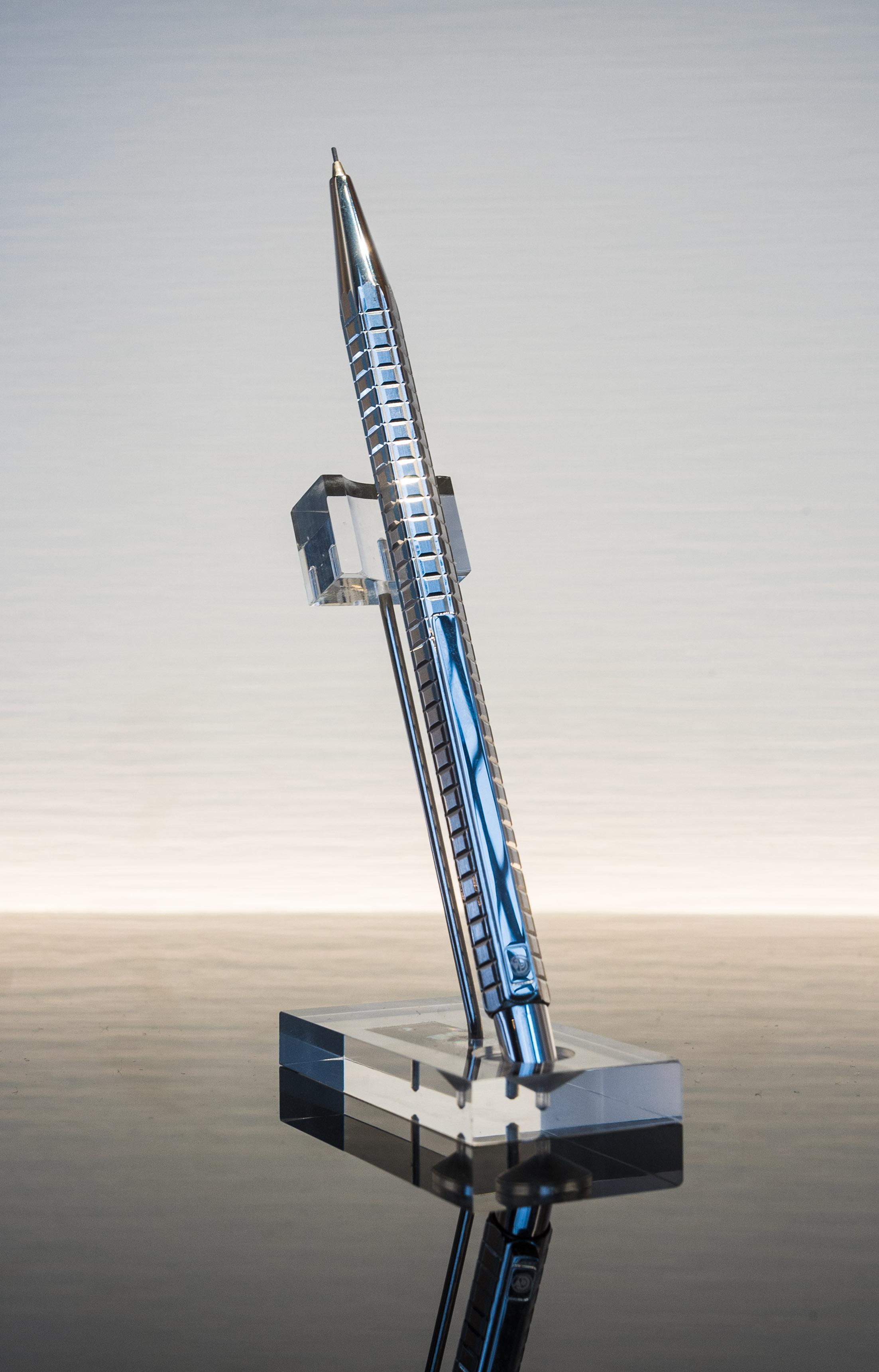 CARAN D'ACHE Kugelschreiber Sondermodell Silber